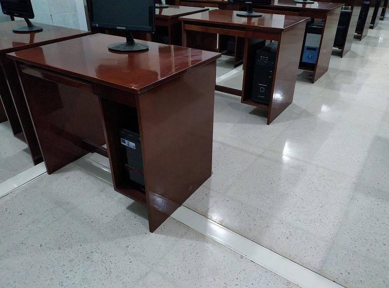 lantai-teraso-light-white-02-ruang-lab-komputer-smp-santa-maria-surabaya